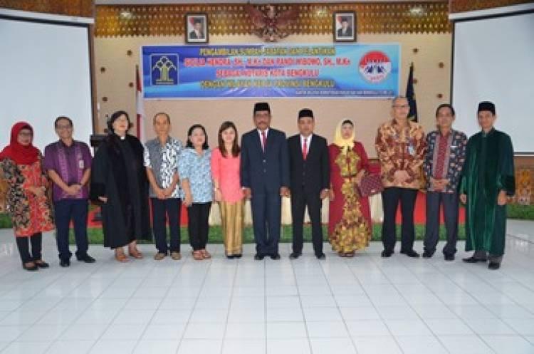 Ka.Kanwil Lantik Notaris Kota Bengkulu